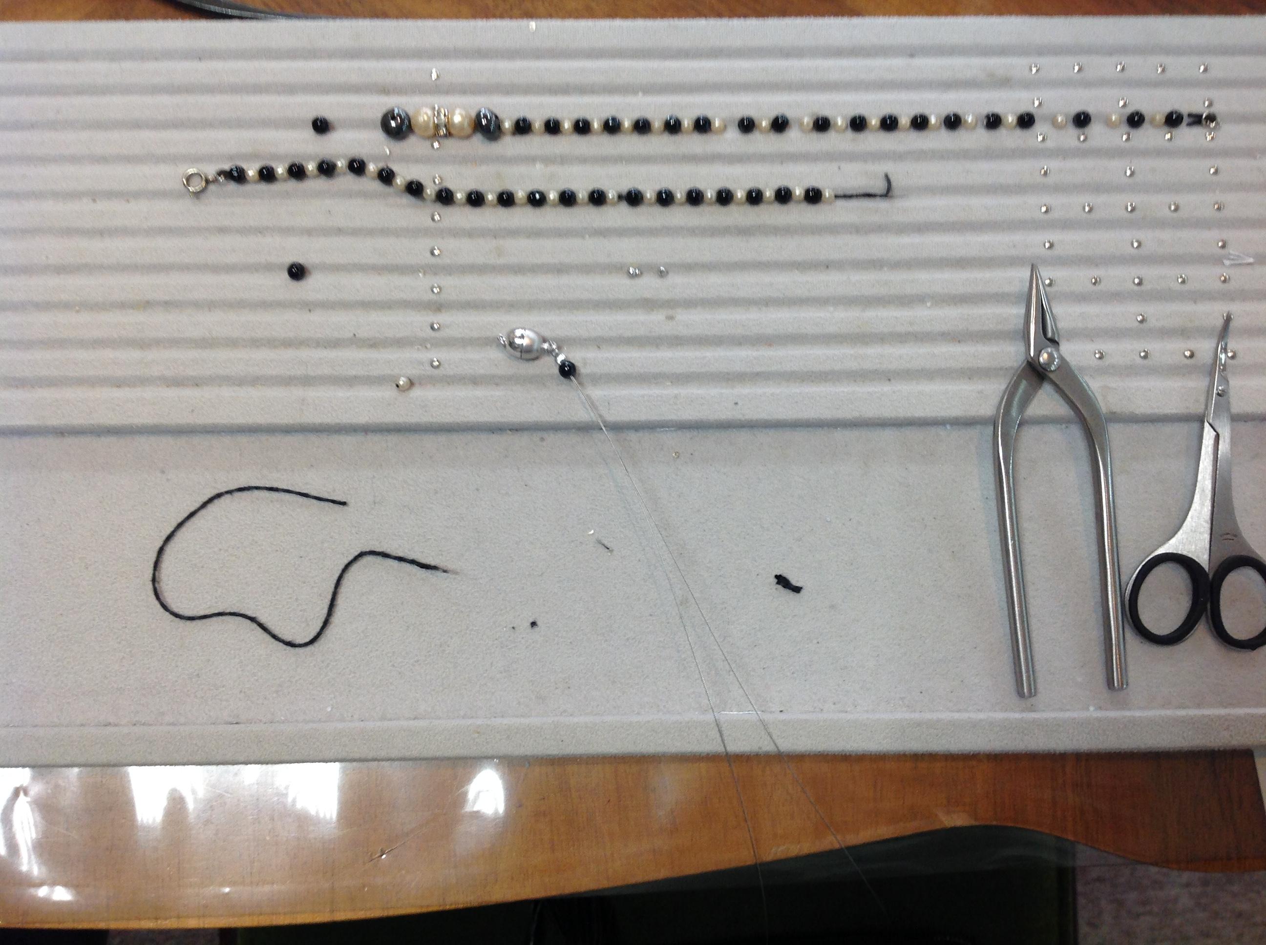 ネックレスの糸替