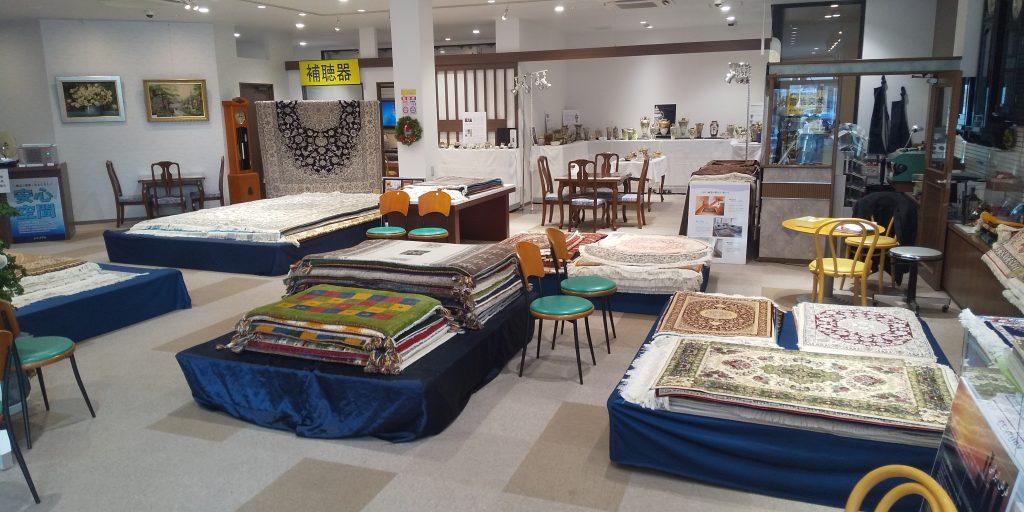 ペルシャ絨毯展示会 準備完了