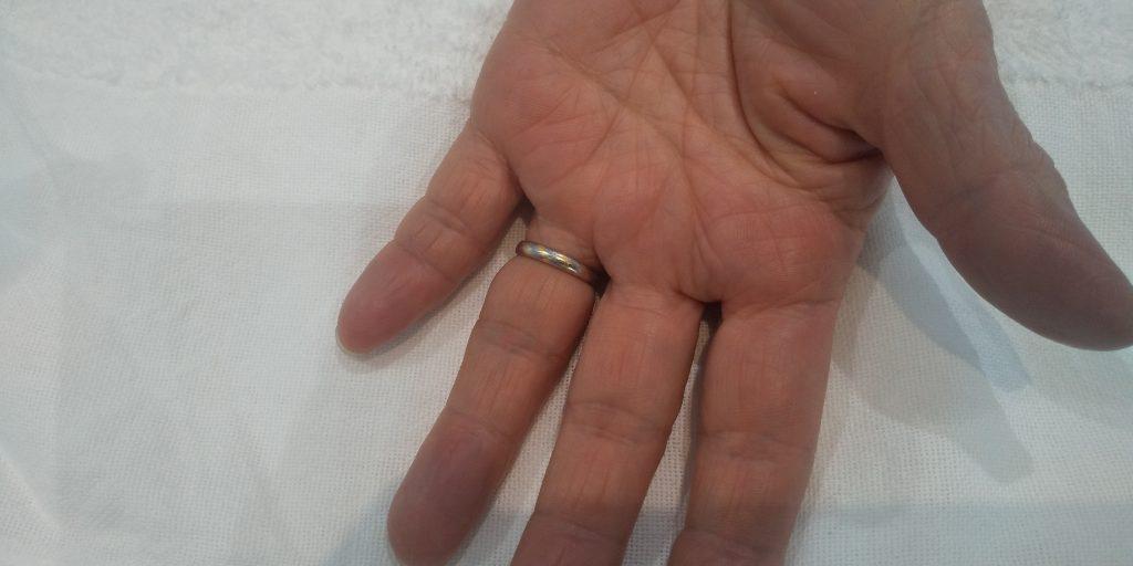 山口市から、外れなくなった指環を切りに来店されました。